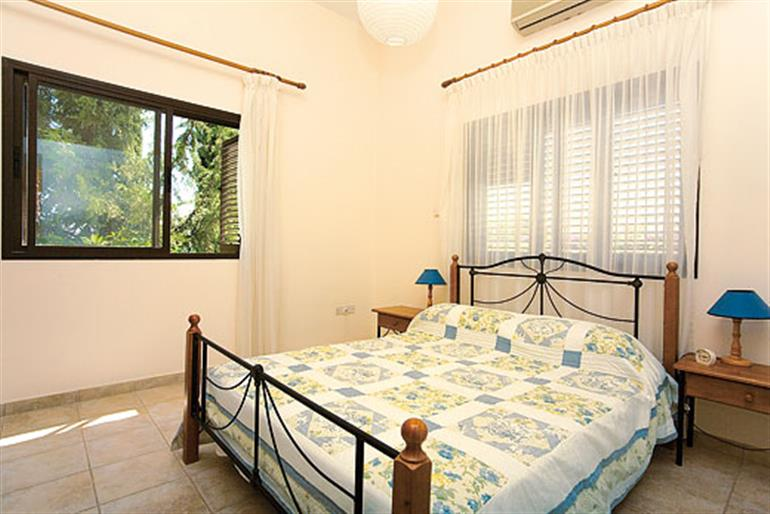 Bedroom in Angelina, Coral Bay