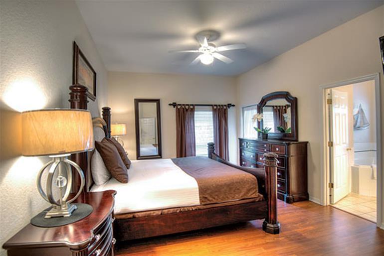 Bedroom in Apartment Andros Deluxe, Bahama Bay in Orlando - Florida