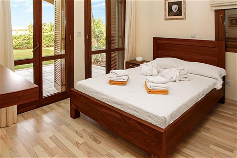 Bedroom in Apartment Theseus Village AB02, Aphrodite Hills