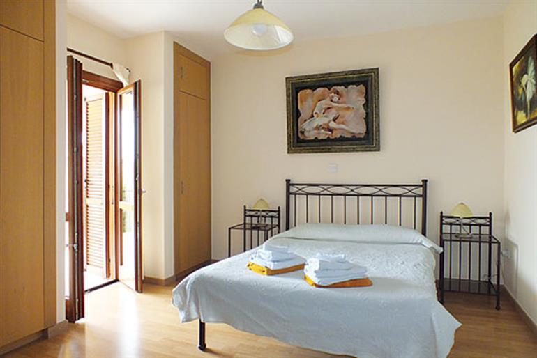Bedroom in Townhouse Zephyros Village FZ02, Aphrodite Hills