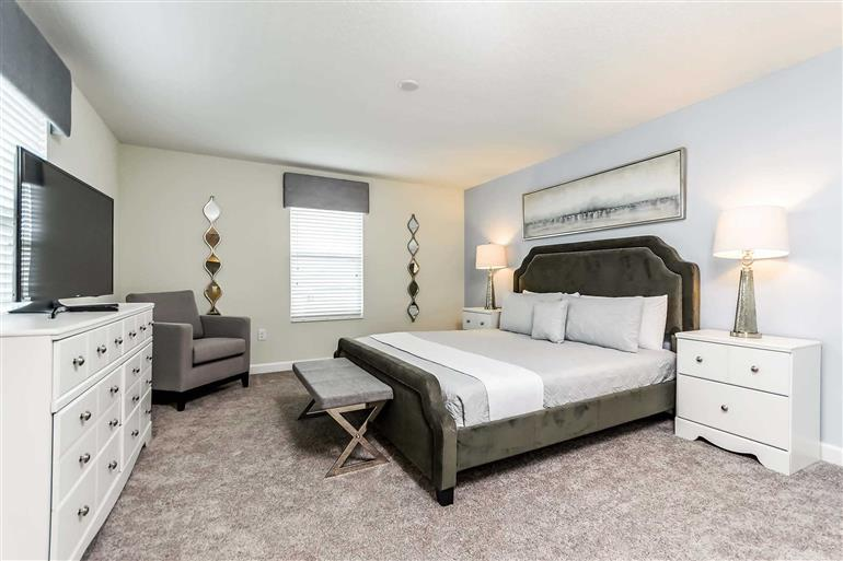 Bedroom in Villa Calusa Pines, Champions Gate