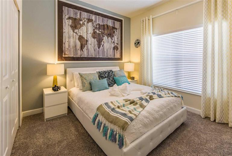 Bedroom in Villa Gatsby Drive, Storey Lakes