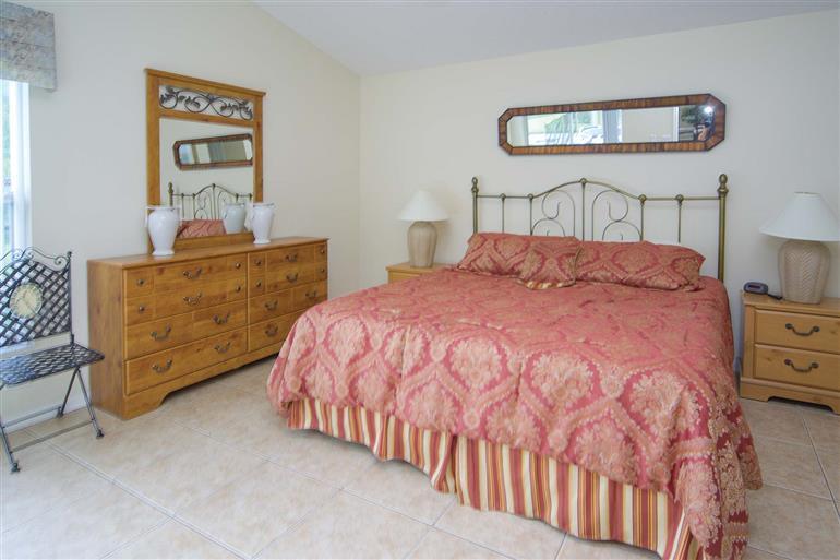 Bedroom in Villa Goldfinch, Disney Area and Kissimmee, Orlando - Florida
