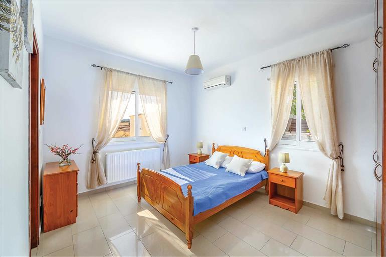 Bedroom in Villa Mandarine, Latchi