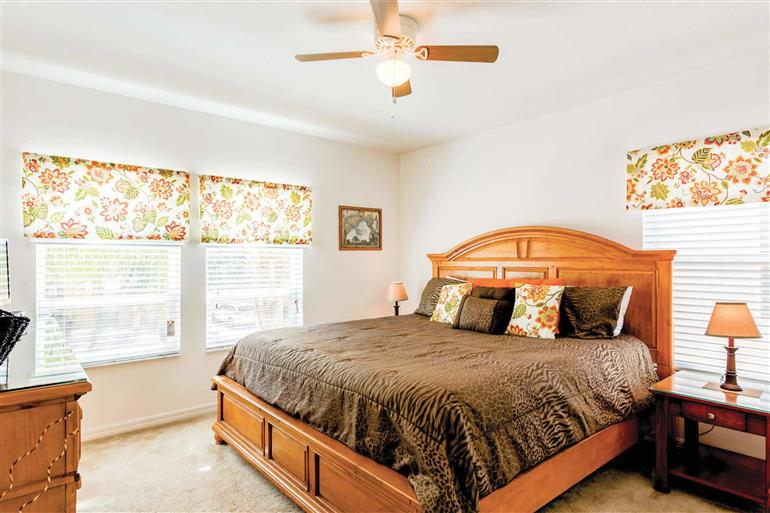 Bedroom in Villa Paradise Found, Disney Area and Kissimmee, Orlando - Florida