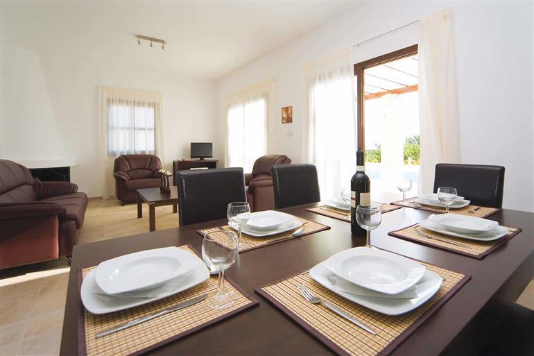 Dining room at Villa Michaela Vine, Coral Bay