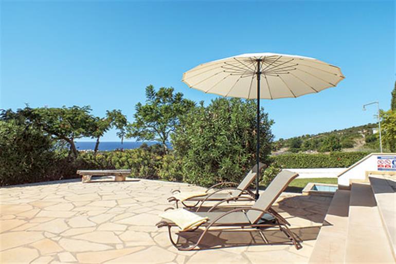 Garden at Villa Mou, Coral Bay