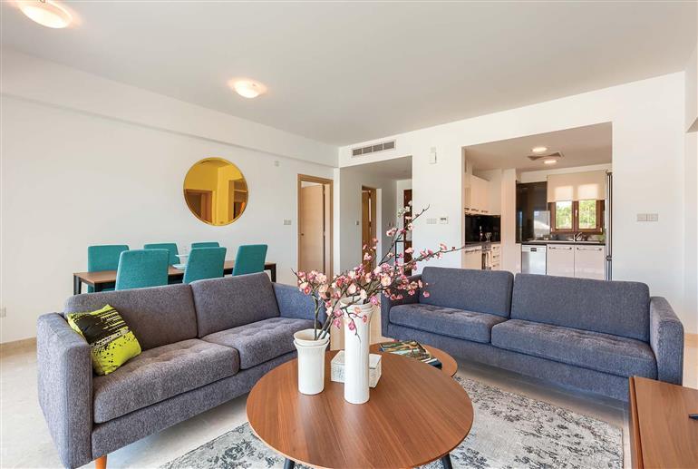 Living room in Apartment Alexander Heights Premium AM02, Aphrodite Hills