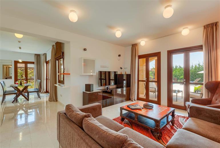Living room in Villa Alexander Heights Elite AJ04, Aphrodite Hills