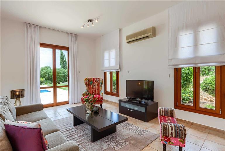 Living room in Villa Aphrodite Hills Superior 398, Aphrodite Hills