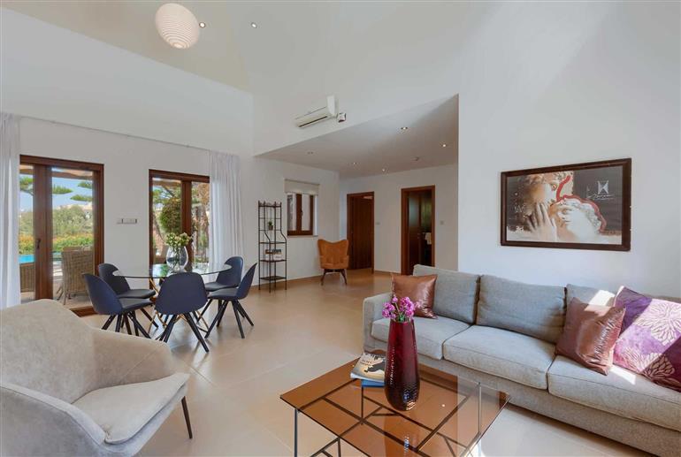 Living room in Villa Aphrodite Hills Superior 401, Aphrodite Hills