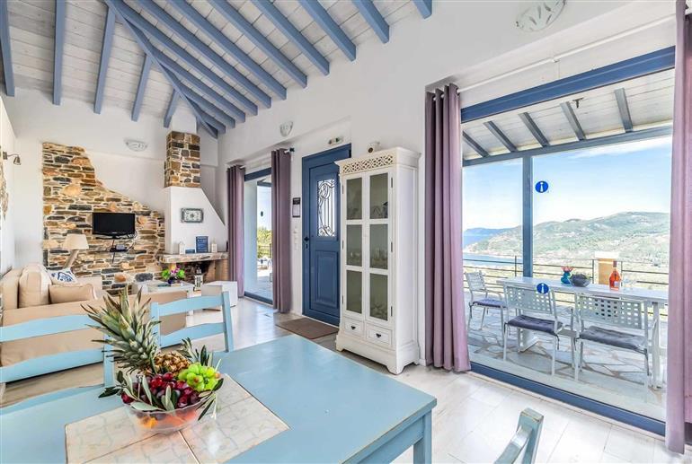 Living room in Villa Galazopetra, Pefkias