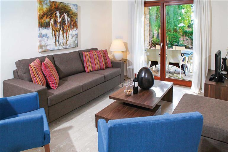 Living room in Villa Hestiades Green Junior 36, Aphrodite Hills
