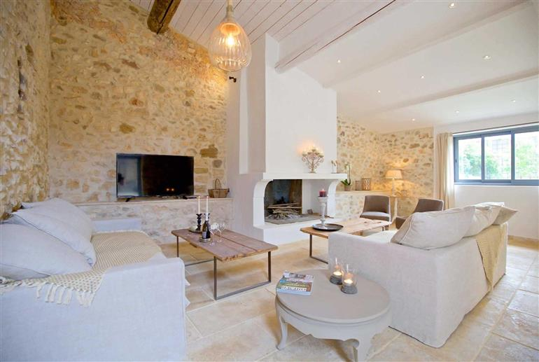 Living room in Villa La Farinette, Roussillon