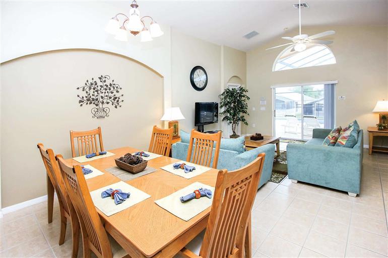 Living room in Villa Legacy Park Executive IV, Legacy Park