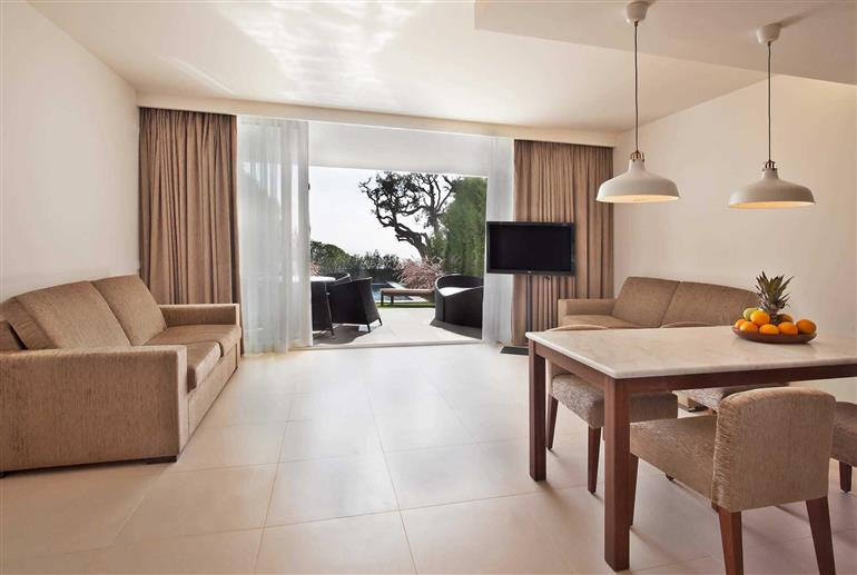 Living room in Villa Rafael II, Sao Rafael