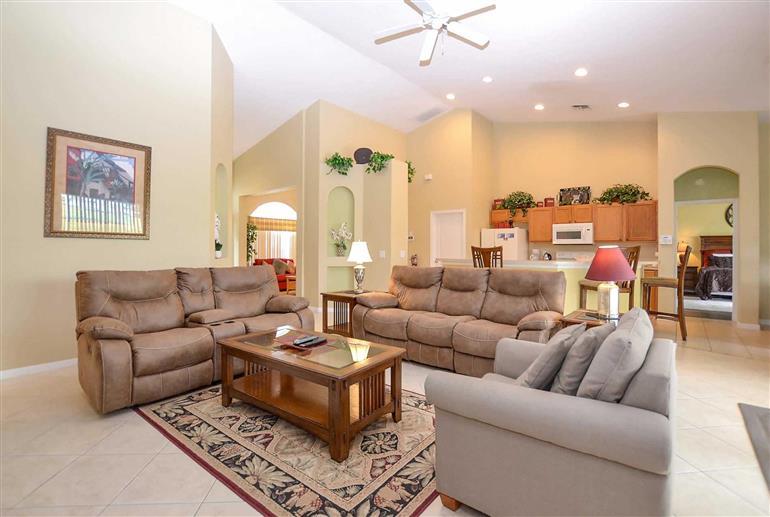 Living room in Villa Violett, Highlands Reserve