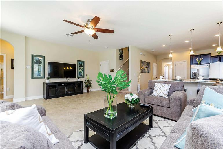 Living room in Villa Whispering Pines, Solterra Resort