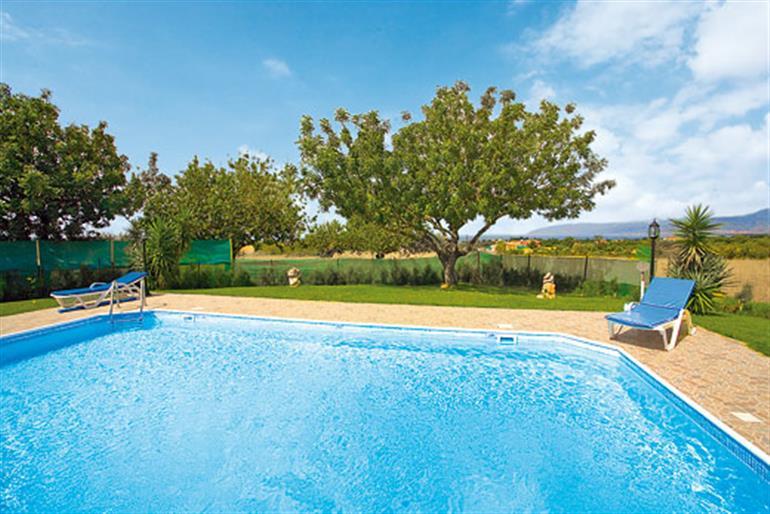 Swimming pool at Chara Mari, Latchi