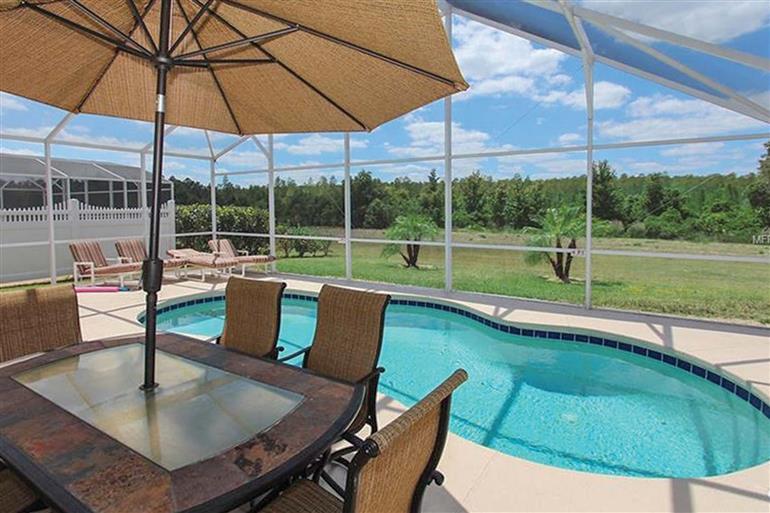 Swimming pool at Villa 449 Birkdale, Highlands Reserve, Orlando - Florida