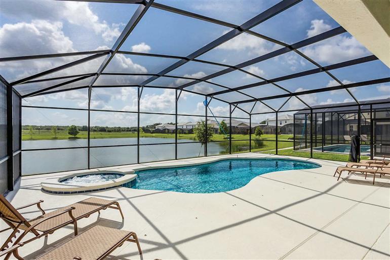 Swimming pool at Villa Bella Lago, Disney Area and Kissimmee