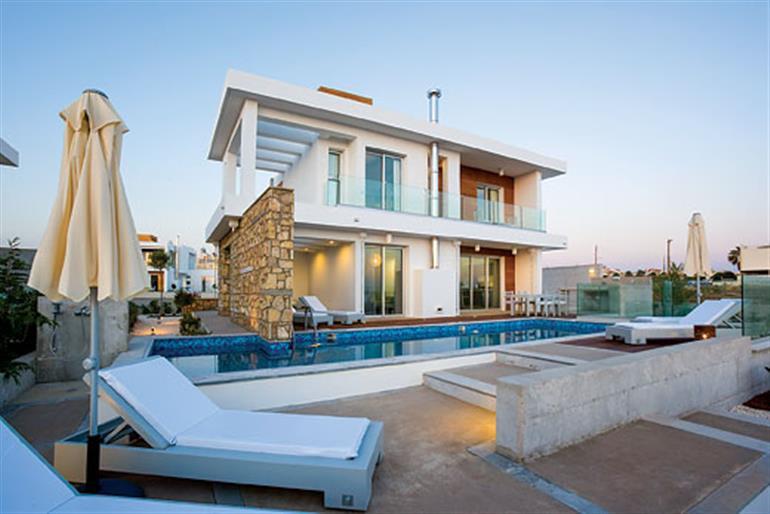 Swimming pool at Villa Cyan, Paphos