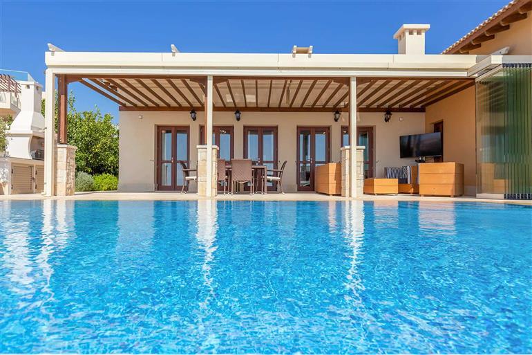 Swimming pool at Villa Cypris, Aphrodite Hills