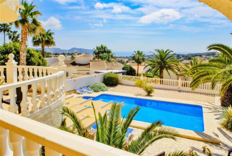 Swimming pool at Villa Felipa, Moraira