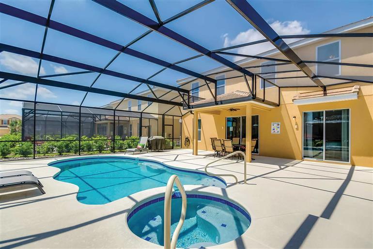 Swimming pool at Villa Jefferson, Solterra Resort, Orlando - Florida