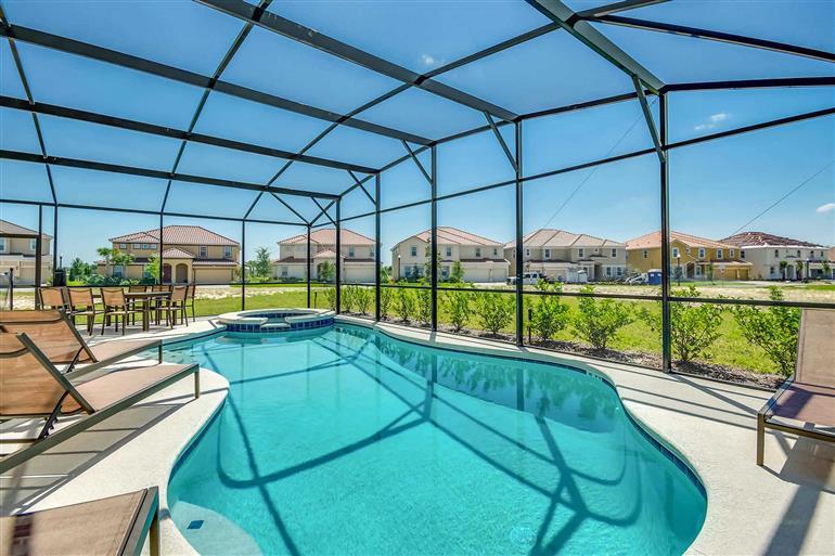 Swimming pool at Villa Kennedy, Solterra Resort, Orlando - Florida