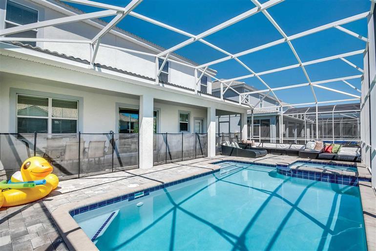 Swimming pool at Villa Lincoln, Champions Gate, Orlando - Florida