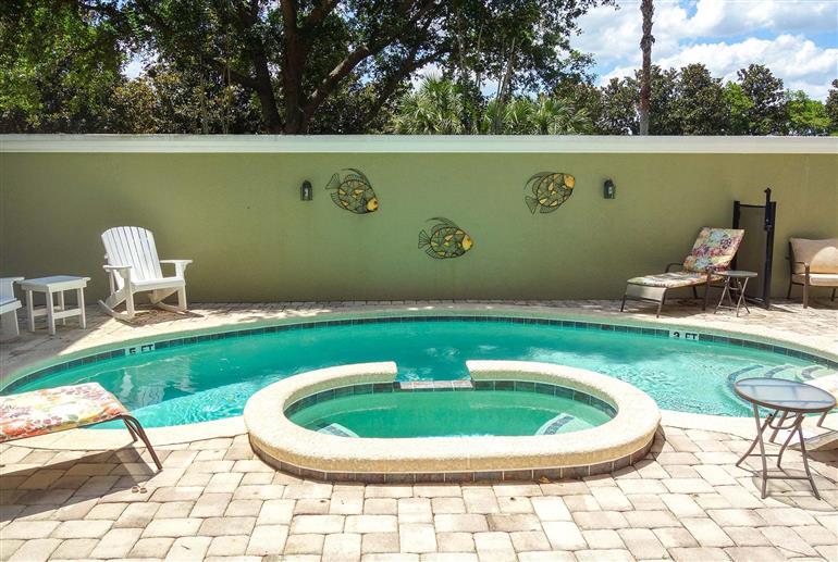 Swimming pool at Villa Pilgrims, Reunion Resort