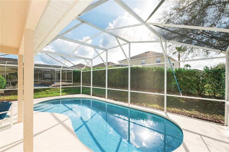 Swimming pool at Villa Serenity, Hampton Lakes