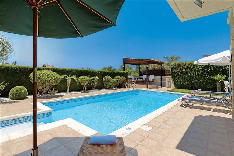 Swimming pool at Villa Shanta, Coral Bay