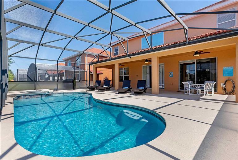 Swimming pool at Villa Solana circle, Solana