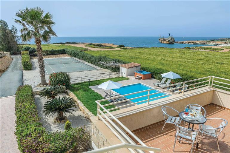 Swimming pool at Villa Sweet Water, Coral Bay