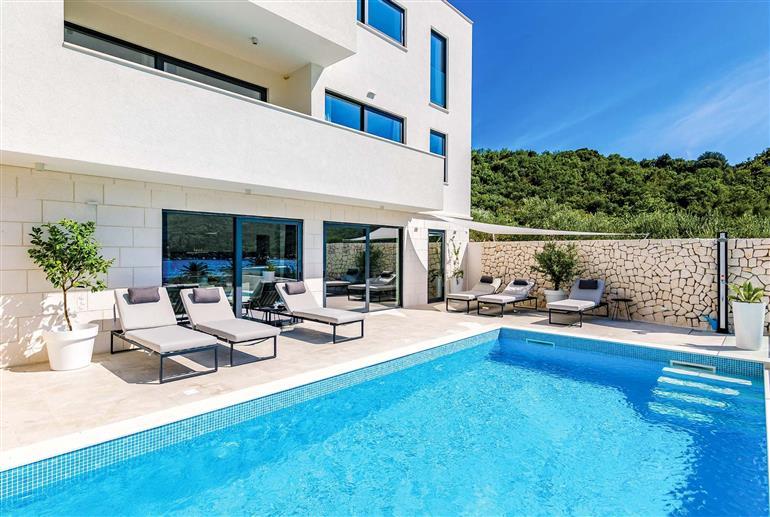 Swimming pool at Villa Zaton Bay View, Dubrovnik