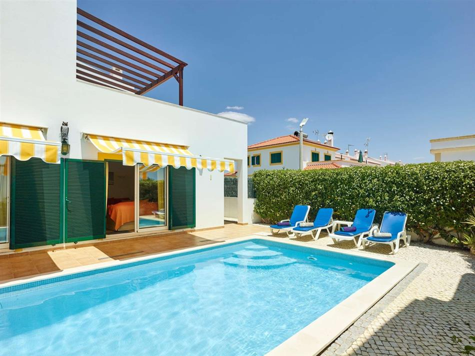 The swimming pool at Casa Branca in Eastern Algarve, Portugal